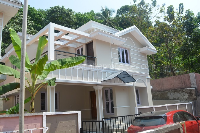 Home Design: Furnished Gated Colony Villa At Ooramana , Kolenchery